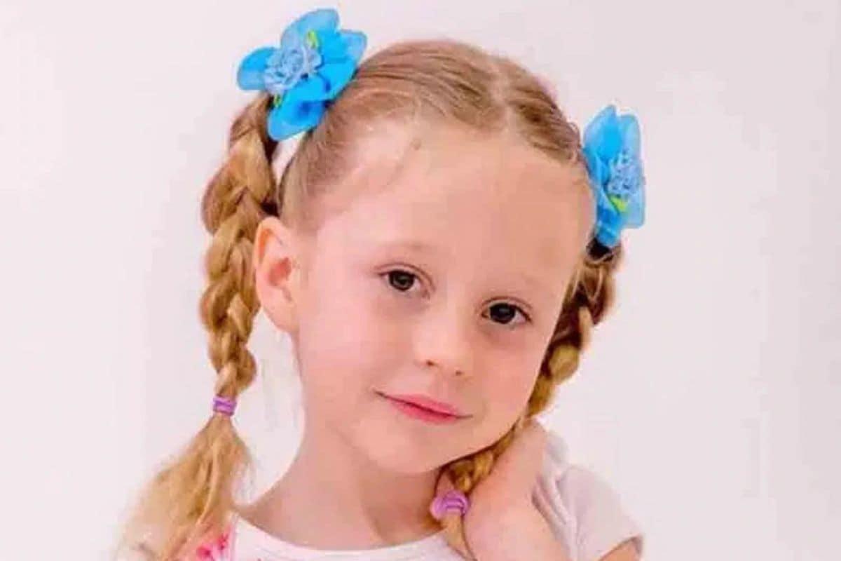 रशियन-अमेरिकन Nastya केवळ 6 वर्षांची आहे. मात्र तिची Youtube मुळे वर्षभराची कमाई साधारण 18 मिलियन डॉलर (साधारण 132 कोटी) रुपये आहे. Nastya व्हिडीओ प्लेटफॉर्म Youtube मध्ये 6 चॅनल चालवते. आपलं शिक्षण आणि विनोदी व्हिडीओंमुळे ती खूप पॉप्यूलर आहे.