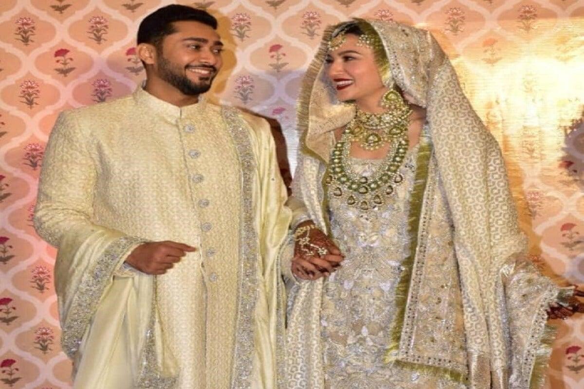 गौहर खान आणि झैदच्या लग्नाचे फोटो चांगलेच व्हायरल झाले आहेत. या फोटोंमध्ये ते दोघं अतिशय खूश दिसत आहेत.