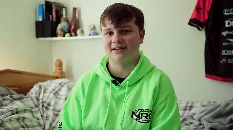 16 वर्षीय बेंजी फोर्टनाइट वर्ल्ड कपमध्ये (The Fortnite World Cup) बेंजी फिशी प्लेयर नावाने खेळ खेळतो. बेंजी म्हणतो की, सुरुवातीला वर्ल्डकपमध्ये काय होते हेही त्यांना माहित नव्हतं.