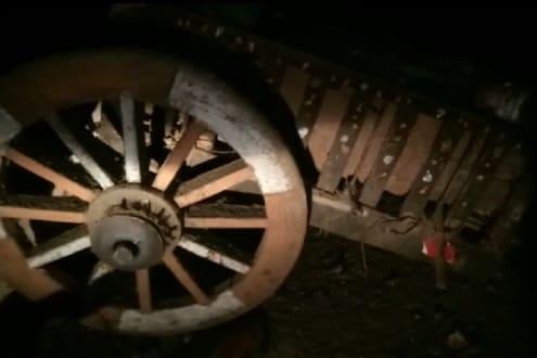 'किसान दिनी' भयंकर घटना! भीषण अपघातात शेतकरी पती-पत्नीचा मृत्यू, बैलानेही गमावला जीव