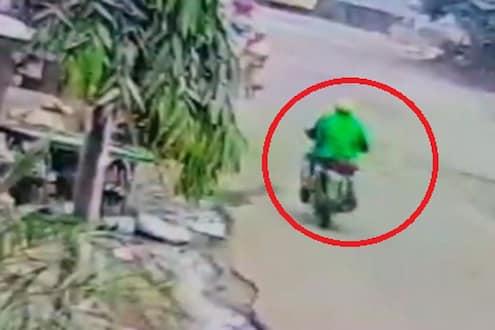 बाईकस्वारांनी खेचली आजींच्या गळ्यातली पावणे दोन तोळ्याची चेन, पाहा  कल्याणमधील चोरीचा थरारक VIDEO