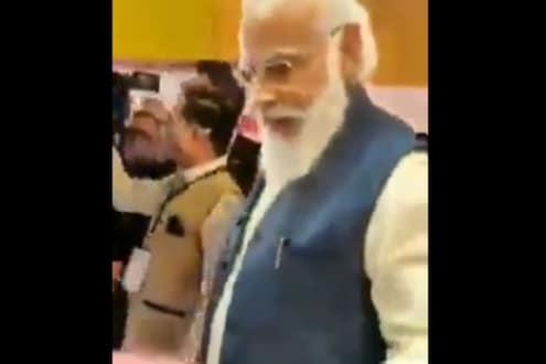 पंतप्रधान मोदी विनामास्क दिसले कार्यक्रमात; Video शेअर करुन AAP ने साधला निशाणा