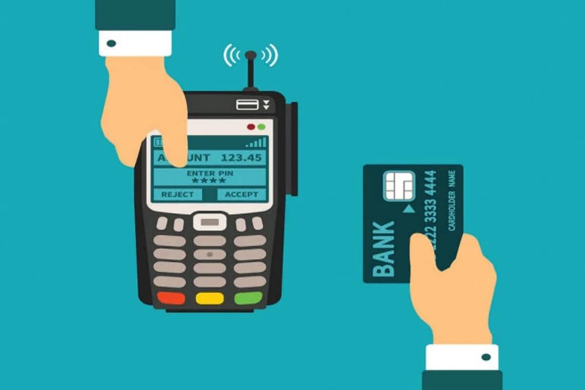 2. कॉन्टॅक्टलेस कार्ड्स वापरून होणाऱ्या ट्रान्झॅक्शनची मर्यादा वाढवली- रिझर्व्ह बँक ऑफ इंडियाने (Reserve Bank of India -RBI) कॉन्टॅक्टलेस कार्ड्स वापरून होणाऱ्या ट्रान्झॅक्शनची मर्यादा (Contactless card transaction limit) वाढवली आहे. ही मर्यादा 2,000 रुपयांवरून वाढवून 5,000 करण्यात आली आहे. हा नियम 1 जानेवारी 2021 पासून लागू केला जाणार आहे.