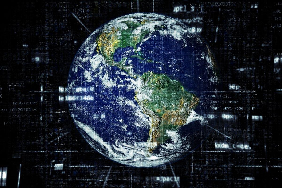 2020 च्या मध्यापासून पृथ्वी दररोज आपली प्रदक्षिणा 0.5 मिलीसेकंद आधीच पूर्ण करत आहे. यामुळे आपल्या 24 तासातील 0.5 मिलीसेकंद कमी होत आहोत. पृथ्वीच्या या वेगामुळे 1970 पासून 27 लीप सेकंद जोडण्यात आले आहेत. (फोटो: सोशल मीडिया)