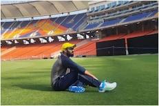 दिनेश कार्तिकने शेयर केले जगातल्या सगळ्यात मोठ्या स्टेडियमचे 'भव्य' PHOTO