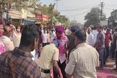 VIDEO: अरेरे...उमेदवार जिंकला म्हणून जल्लोष करायला गेले आणि बसले पोलिसांचे फटके