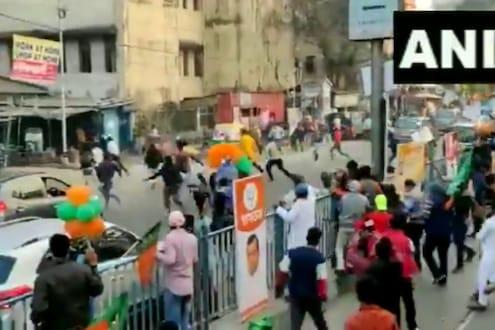 निवडणुकीचा संघर्ष रस्त्यांवर; भाजप केंद्रीय मंत्र्यांच्या रॅलीवर दगडफेक, पाहा LIVE VIDEO