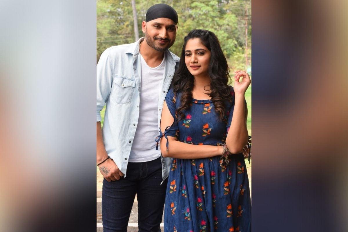 अभिनेत्री लोसलिया मारियानेसन (Losliya Mariyanesan) सोबत हरभजन सिंग पहिल्या सिनेमातून चित्रपटसृष्टीत पदार्पण करणार आहे.