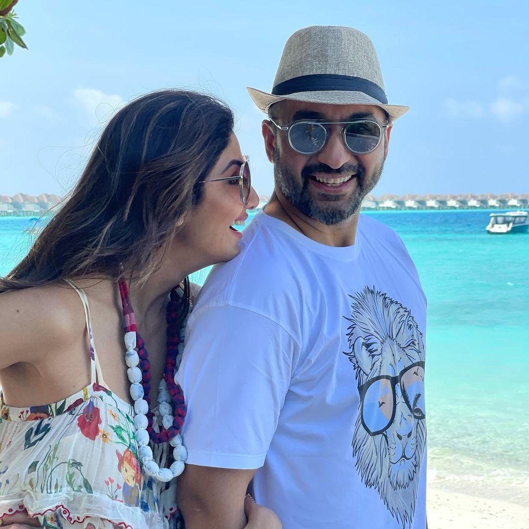 राज कुंद्रा आणि शिल्पा शेट्टी मालदीव बीचवर (Image: Instagram)
