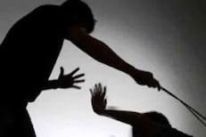 बकरी चोरल्याचा आरोप करत महिलांसोबत अमानुष कृत्य, आधी केस कापले आणि मग....