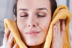 त्वचेसाठी वरदान ठरतात किचन मधले 'हे' पदार्थ; फेस पॅक वापरून घालवा चेहऱ्याचे डाग