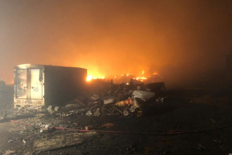 मुंबईतील अग्नितांडवाचे भीषण PHOTOS; मानखुर्द आगीवर नियंत्रणाचे प्रयत्न सुरूच