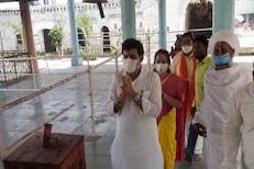 संजय राठोडांच्या शक्तिप्रदर्शनात हजर,पोहरादेवीच्या महंताचे कुटुंब कोरोनाबाधित