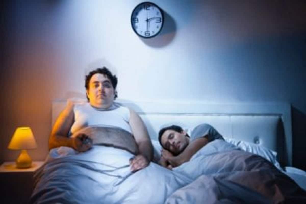 काळानुसार झोपण्याच्या आणि उठण्याच्या वेळा बदलल्या आहेत. त्यामुळे तुम्हाला कित्येकांकडून बरंच ऐकावी लागत असेल. पण ही गोष्ट आता तितक्यापुरतीच मर्यादित नाही, हे एका संशोधनात दिसून आलं आहे.