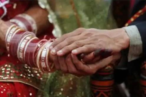 73 वर्षीय या आजीबाईंना करायचं आहे लग्न, जोडीदाराच्या शोधात दिलेली खास जाहिरात VIRAL