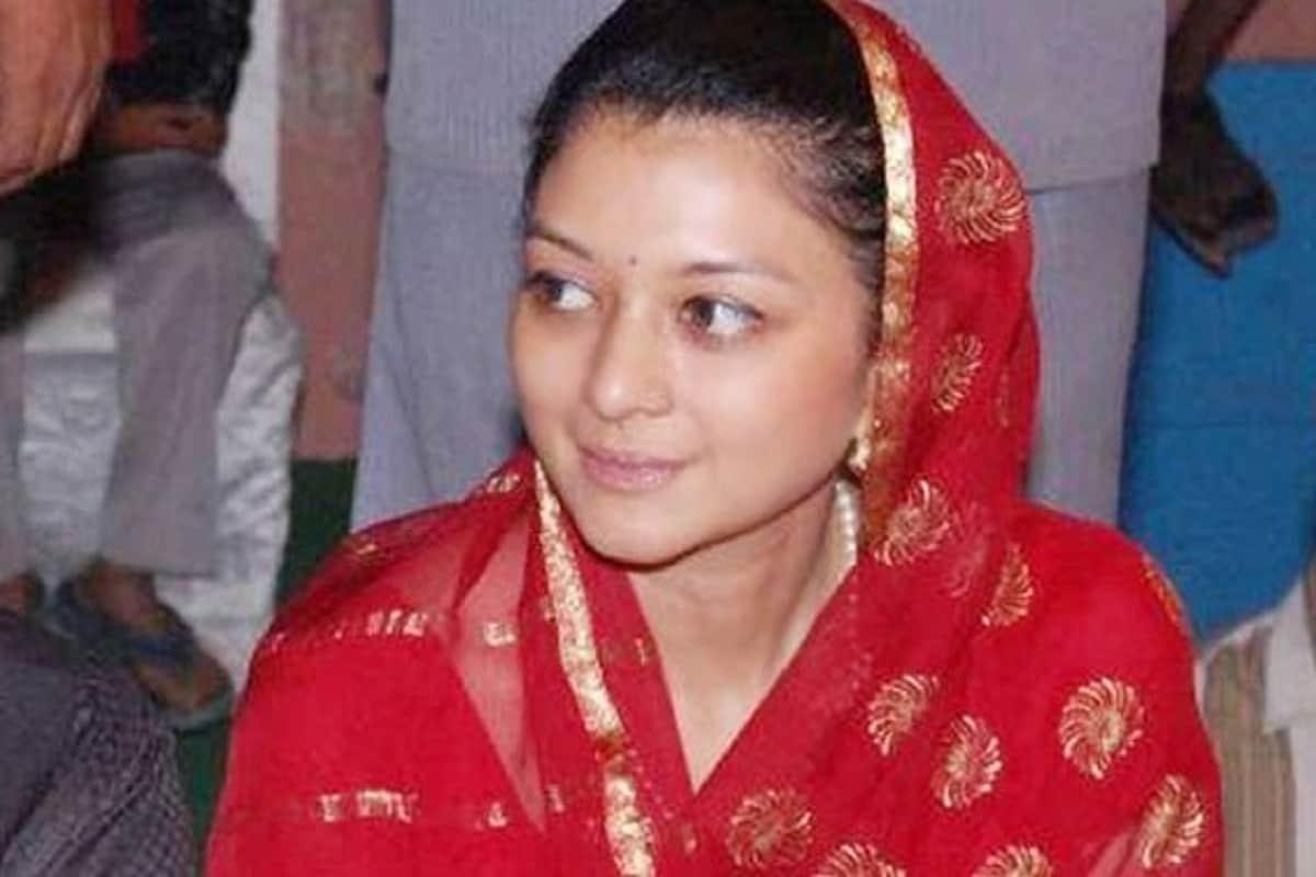 'फेमिना'ने भारतातील 50 सुंदर महिलांमध्ये या राजघराण्यातल्या व्यक्तीचं नाव आलं आहे. प्रियदर्शिनी राजे यांचा 8 मार्चला वाढदिवस. कोण आहे ही रॉयल फॅमिलीतली स्त्री?