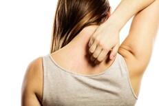 त्वचेवर 'ही' 3 लक्षणं दिसताच तपासा Blood Sugar; हालचाल करणंही होईल कठीण