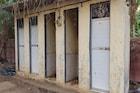वसई विरारमध्ये 'स्वच्छ भारत योजने'चे वाजले तीन तेरा, शौचालयं फक्त नावाला उभी!