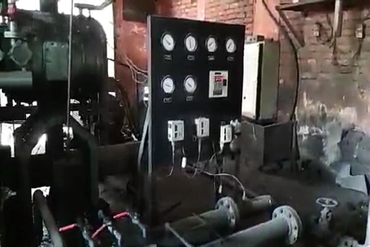 ऑक्सिजन कंप्रेस करुन गॅसमध्ये कन्वर्ट केला जातो आणि रिफिलिंग स्टेशनला सप्लाय करुन सिलेंडरमध्ये भरला जातो. ऑक्सिजन गॅस लहान-मोठ्या कॅप्सुलनामक टँकरमध्ये भरुन रुग्णालयांमध्ये पोहचवला जातो. एक ऑक्सिजन सिलेंडर भरण्यासाठी 3 मिनिटांचा वेळ लागतो. एकावेळी पॅनल बनवून 20 हून अधिक सिलेंडर भरले जातात.