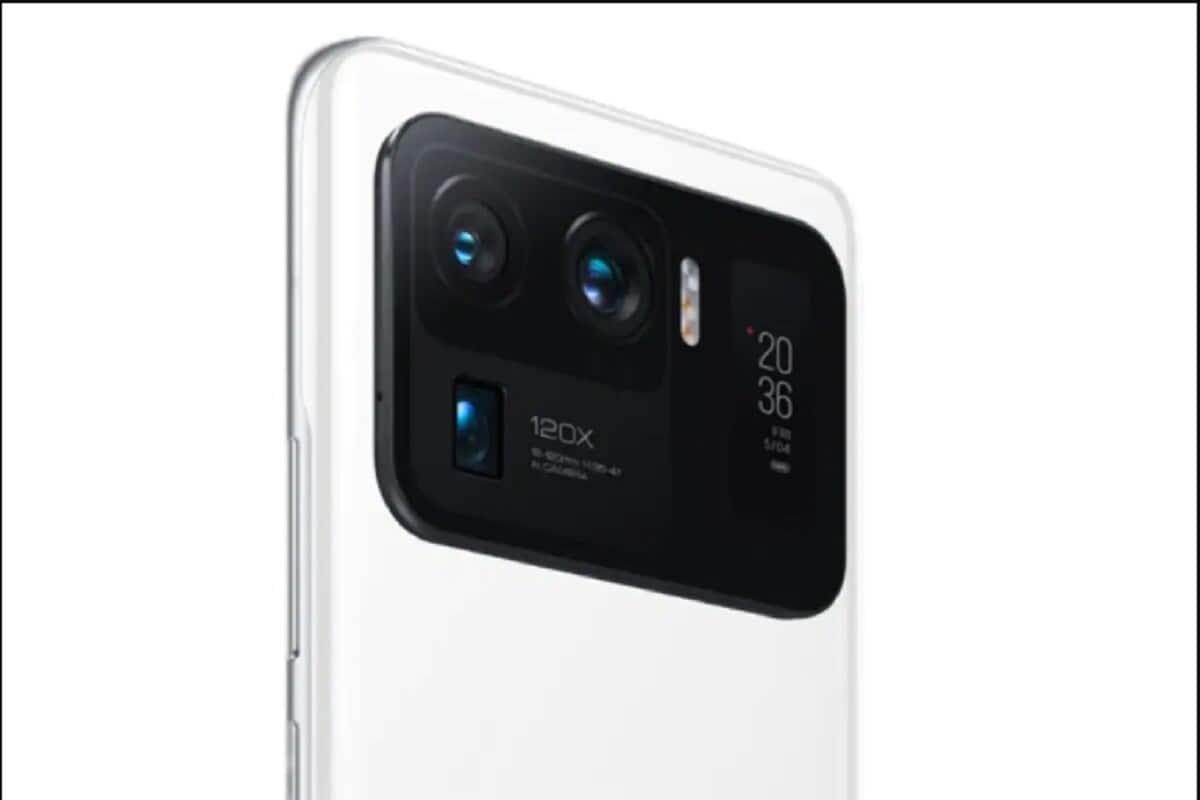 या स्मार्टफोनला आतापर्यंतचा सर्वात मोठा कॅमेरा बंप दिसतो आहे. फोनला तीन रियर कॅमेरा सेटअप देण्यात आला आहे. यात 50 मेगापिक्सलचा प्रायमरी सेंसर, 48 मेगापिक्सलचा अल्ट्रा वाईड सेंसर आणि 5x पेरीस्कोप सेंसर देण्यात आला आहे.
