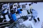 अत्यवस्थ रुग्णाला लावला रिकामा सिलेंडर, रुग्णालयाच्या दारातच रुग्णाचा तडफडून मृत