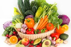 लय भारी! फळं-भाज्या खाणाऱ्याला पैसे देणार; व्यायाम केला तर बोनसही मिळणार