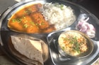 30 रुपयात स्वादिष्ट जेवण देणारा 'इंदू का ढाबा' रातोरात प्रसिद्ध, काय आहे खासियत?