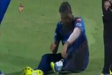 बॉल टाकण्यापूर्वीच रोहित शर्माला दुखापत; VIDEO व्हायरल