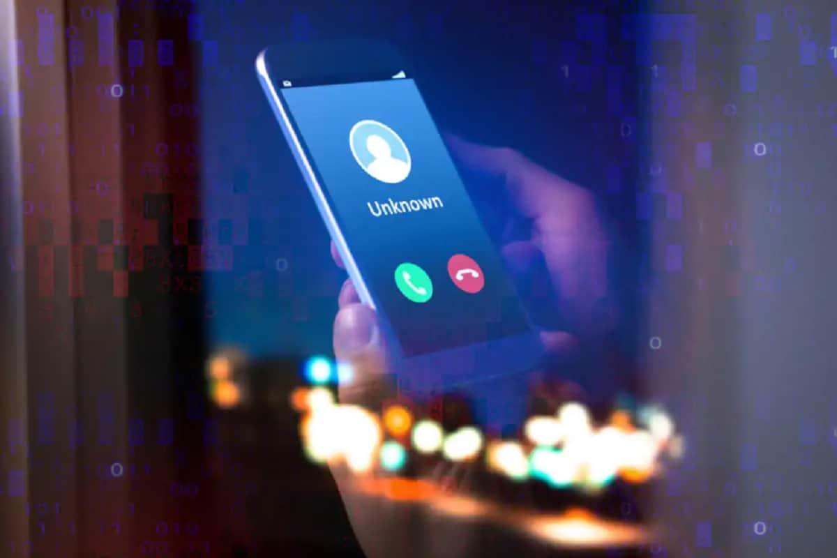 फोन कॉल टाळण्यासाठी अनेक जण फोन फ्लाईट मोडवर ठेवतात. परंतु तसं करण्याची गरज नाही.