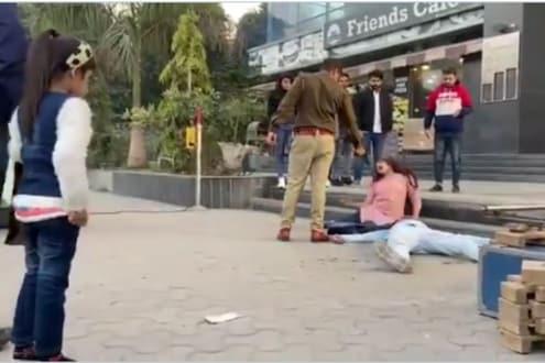 पोलिसांनी भररस्त्यात तरुण-तरुणीला घातली गोळी; VIRAL VIDEO मागील काय आहे सत्य?