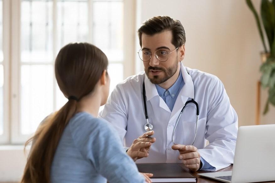 कधी कधी जुना एखादा लागलेला मार हा देखिल अचानक उफालून येतो आणि कंबर दुखू लागते. त्यामुळे याकजे दुर्लक्ष न करता वेळीच डॉक्टरचा सल्ला घ्या.