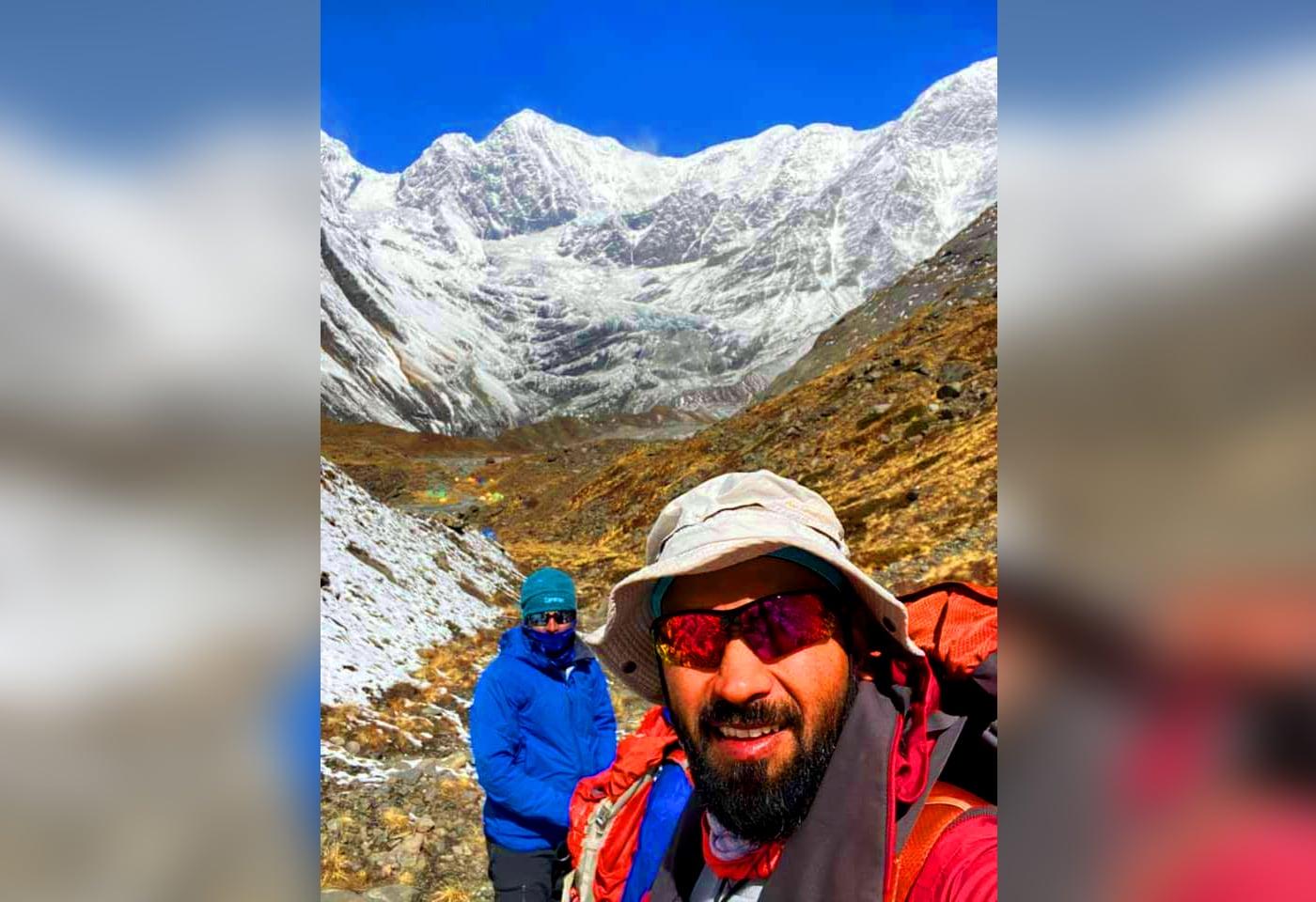 25 दिवसांत दोन आठहजारी शिखरांवर चढाई करण्यात जितेंद्रने यश मिळवत नवा इतिहास रचला आहे. एव्हरेस्टची उंची 8848.86 मीटर आहे तर अन्नपूर्णाची 8091 मीटर आहे.