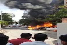 VIDEO: पिंपरीत Burning Carचा थरार, डोळ्यादेखत 5 गाड्या जळून खाक