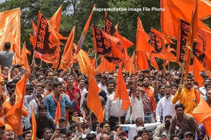 मराठा समाजाला आरक्षण मिळावं म्हणून मुंबईसह संपूर्ण महाराष्ट्रात लोकांनी एकत्र येत मूकमोर्चे काढले होते. मराठा आरक्षणाच्या मागणीवर समाज ठाम आहे.