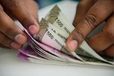 LIC CSL ने लाँच केलं 'शगुन' गिफ्ट कार्ड, 10000 रुपयांपर्यंत करता येईल शॉपिंग
