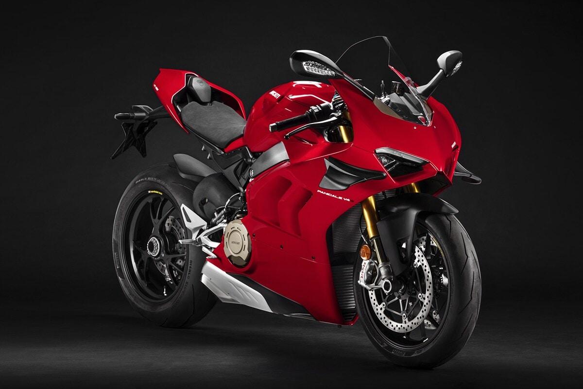 Ducati Panigale VS ही बेस व्ही 4 ची अधिक कार्यक्षमता देणारी आवृत्ती आहे.