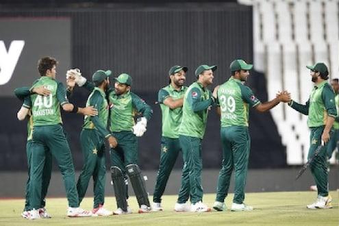 इम्रान सरकारचा अजब निर्णय! पाकिस्तानच्या मॅच पाहण्यास नागरिकांना मनाई