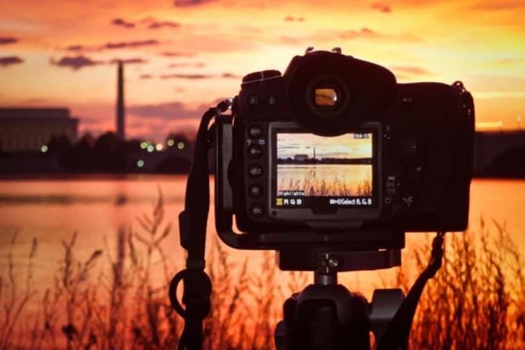 Photography मध्ये करिअर करण्याचा विचार करताय? इथे मिळेल संपूर्ण माहिती