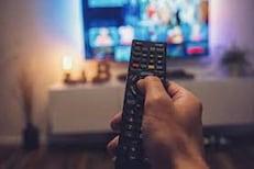 तुम्ही 4 तासांपेक्षा जास्त वेळ TV पाहता? मग हे अवश्य वाचा