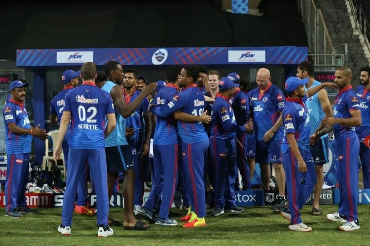 IPL 2021 मध्ये पेनकिलर घेऊन खेळल्याचा माजी कॅप्टनचा खुलासा
