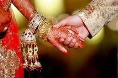 दररोज 130 रुपयांची बचत करुन मुलीच्या लग्नासाठी मिळवा 27 लाख, काय आहे LIC योजना