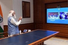 ऑलिम्पिकमध्ये डौलानं फडकला तिरंगा, भारतीय पथकाला पंतप्रधानांची मानवंदना