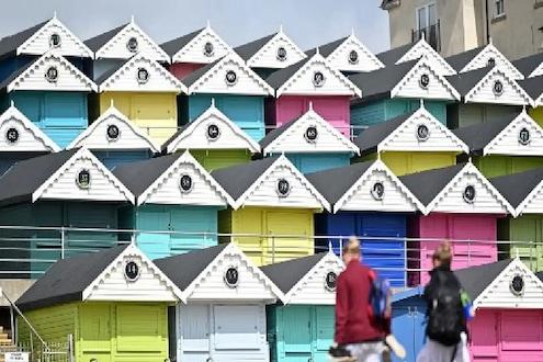 स्वप्नातलं घर खरेदी करण्याची आहे योग्य वेळ, गृहकर्जावर कमी व्याज ते सरकारी योजनांपर्यंत ही आहेत महत्त्वाची कारणं