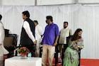 दिल्लीत भाजप नेत्यांची 'खाणे पे चर्चा', फडणवीस आणि पंकजा मुंडे आमनेसामने पण...