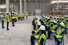 केवळ महिला कर्मचारी चालवणार जगातील सर्वात मोठा Ola E-scooter Plant