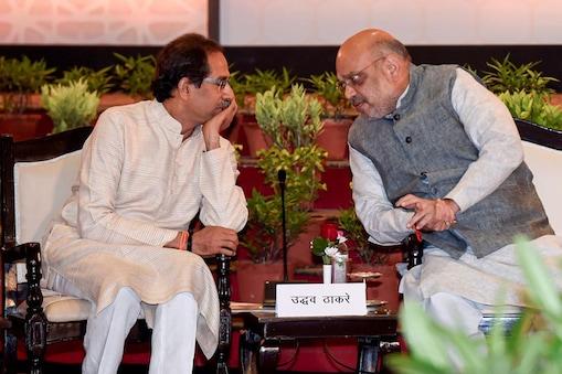 याआधी मुख्यमंत्री उद्धव ठाकरे दिल्ली दौऱ्यावर गेले होते. या भेटीदरम्यान पंतप्रधान मोदी आणि उद्धव ठाकरे यांची बंददाराआड बैठक झाली होती.