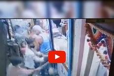 पुण्यात टोळक्याची दहशत; दिवसाढवळ्या दोन दुकानं फोडली, घटनेचा LIVE VIDEO