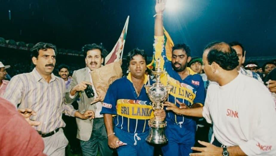 1996ರಲ್ಲಿ ನಡೆದ ವಿಶ್ವಕಪ್ ಪಂದ್ಯದಲ್ಲಿ ಅರ್ಜುನ ರಣತುಂಗಾ ನಾಯಕತ್ವದ ಶ್ರೀಲಂಕಾ ತಂಡ ಆಸ್ಟ್ರೇಲಿಯಾ ವಿರುದ್ಧ 7 ವಿಕೆಟ್ಗಳ ಭರ್ಜರಿ ಜಯ ಸಾಧಿಸಿತ್ತು.