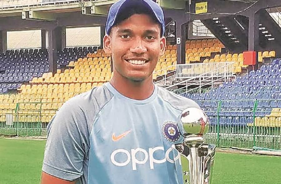 Friends and family celebrate Atharva Ankolekar's homecoming after U-19 Asia Cup heroics