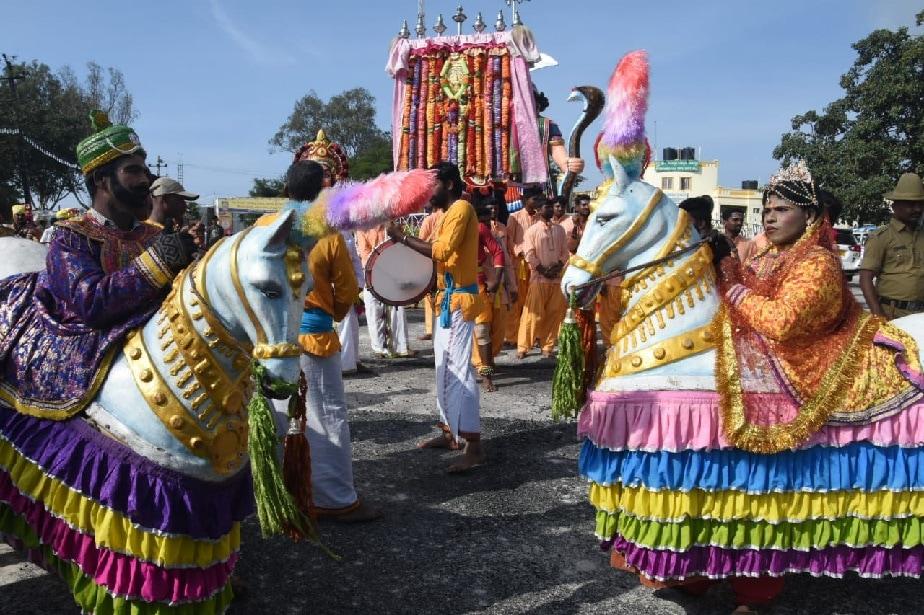 ದಸರಾ ಮಹೋತ್ಸವದಲ್ಲಿ ಸಾಂಸ್ಕೃತಿಕ ಕಲಾ ತಂಡಗಳ ಮೆರಗು